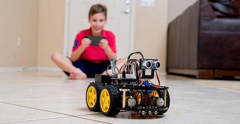 Elegoo Kit Voiture Robot V3.0 - le principal et le robot